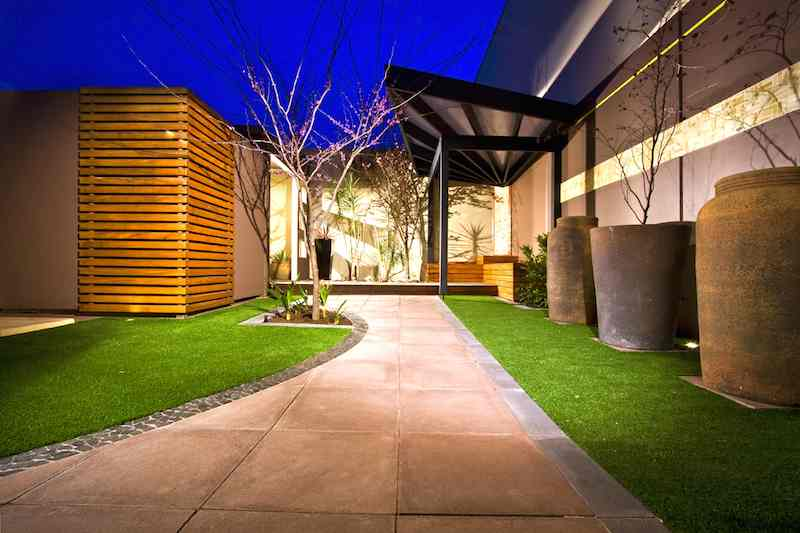 artificial-grass-courtyard-kopie